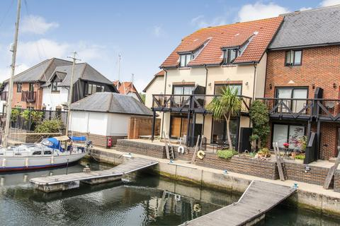 3 bedroom townhouse for sale - Endeavour Way, Hythe Marina Village