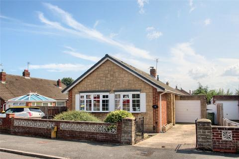 2 bedroom detached bungalow for sale - Antrim Avenue, Fairfield