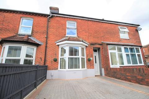3 bedroom terraced house for sale - Manor Road North, Southampton