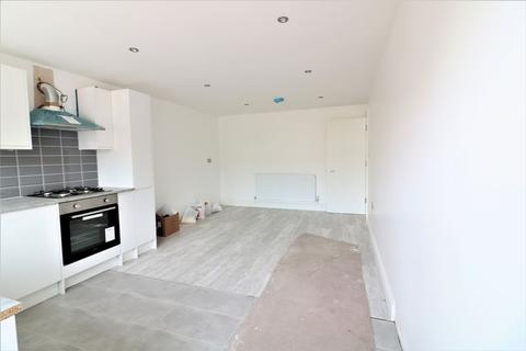 3 bedroom apartment to rent - Three Bedroom Maisonette to Rent