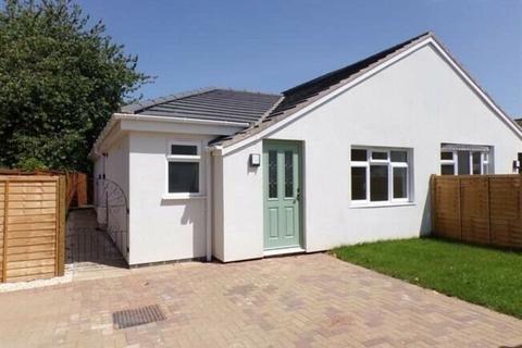 2 bedroom semi-detached bungalow to rent - Watchcrete Avenue, Leicester