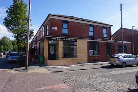 Shop to rent - Forest Range, Manchester, M19
