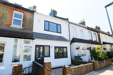 3 bedroom terraced house for sale - Victoria Road, Bromley, BR2