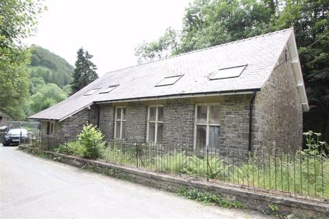 4 bedroom property for sale - Pandy