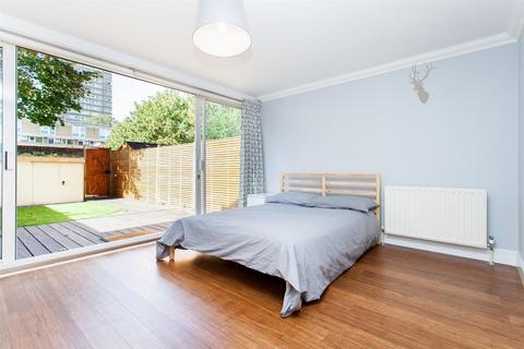 1 bedroom house share to rent - Bow, London