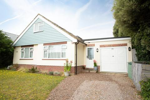 4 bedroom detached bungalow for sale - Kings Avenue, Broadstairs