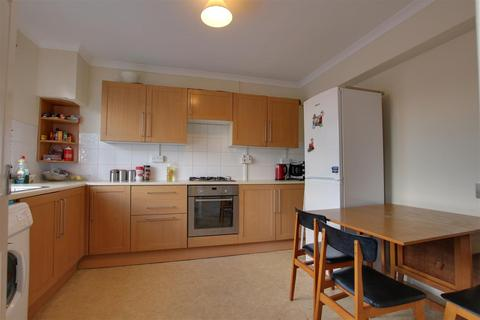 2 bedroom apartment to rent - Church Walk, Burgess Hill