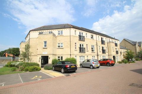 2 bedroom apartment to rent - BAYONNE, SILVER CROSS WAY, GUISELEY, LEEDS, LS20 8FJ
