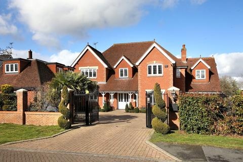 6 bedroom detached house for sale - Stoneyfield, Gerrards Cross, SL9