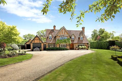 5 bedroom detached house for sale - Dorney Wood Road, Burnham, SL1
