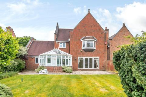 4 bedroom house to rent - Kemsley Chase, Farnham Royal, Slough, SL2