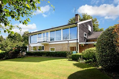 4 bedroom detached house to rent - Hampden Hill, Beaconsfield, HP9