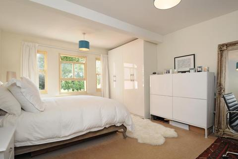 2 bedroom apartment to rent - Winchester Road,  Highgate,  N6