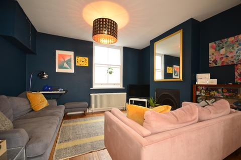 4 bedroom terraced house to rent - North Gardens Brighton BN1
