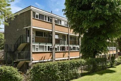 2 bedroom apartment to rent - North Orbital Road, Denham Green
