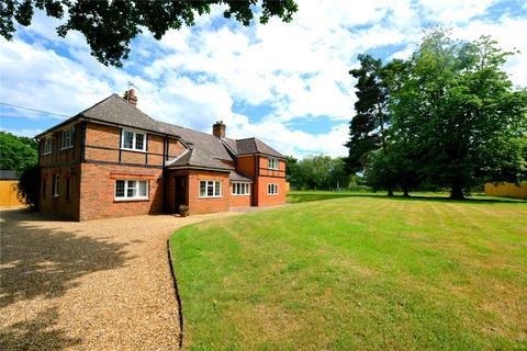 5 bedroom detached house for sale - Ivy Lane, Ringwood, Hants, BH24