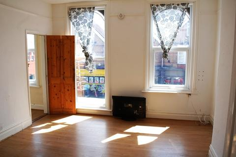 Studio for sale - Flat 2, 486 Ashley Road