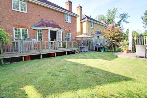 4 bedroom detached house for sale - Meadow View, Chertsey, Surrey, KT16