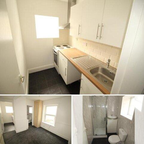 Studio to rent - Flat 2, 27 Moore Street