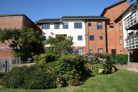 2 bedroom apartment to rent - Silchester Place, Winchester