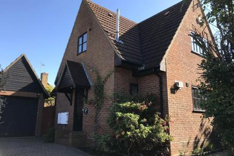 3 bedroom detached house to rent - Garnetts, Ty Newyyd, Takeley, Bishop's Stortford