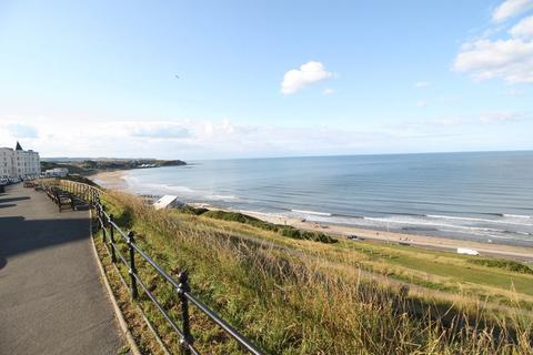 2 bedroom apartment for sale - North Marine Road / Queen's Parade, Scarborough