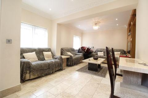 7 bedroom semi-detached house for sale - INCREDIBLE FAMILY HOME PLUS ANNEX on Dunstable Road