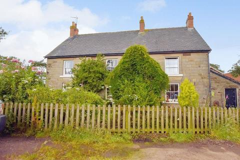 4 bedroom cottage for sale - Guisborough Road, Whitby