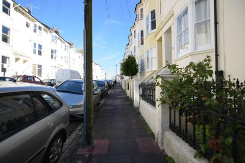 Studio to rent - Buckingham Street -P445