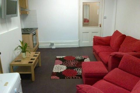 3 bedroom flat to rent - London Road, Leicester