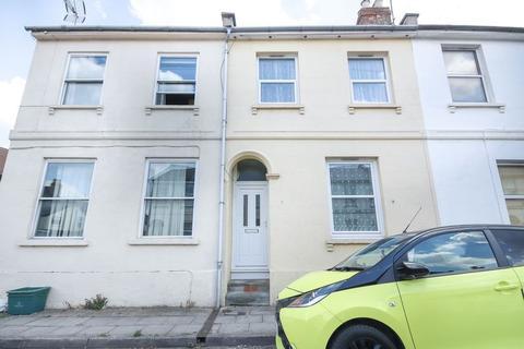 4 bedroom end of terrace house for sale - Cleeveland Street, Cheltenham