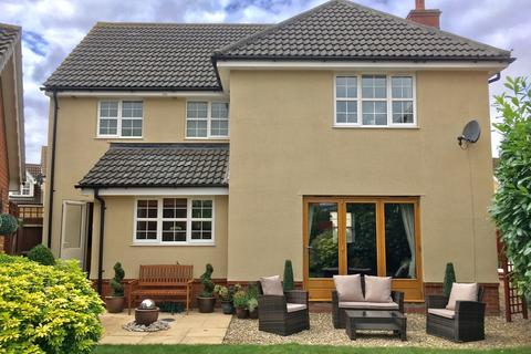 4 bedroom detached house for sale - Swift Drive, Stowmarket, IP14