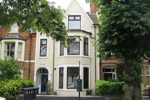 2 bedroom flat to rent - Two Bed Flat with Parking on Murray Road