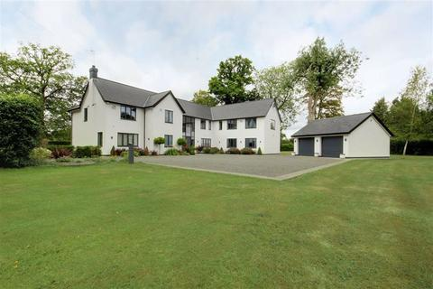 5 bedroom detached house for sale - Orchard Road, Tewin Wood, Hertfordshire