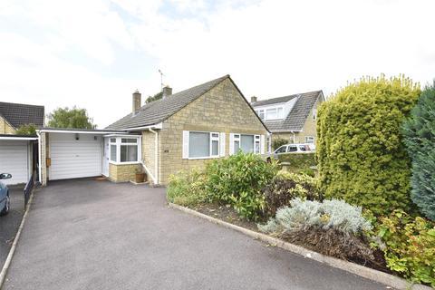 2 bedroom detached bungalow for sale - Beverley Gardens, Woodmancote, GL52