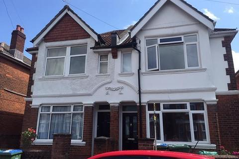 5 bedroom house to rent - Harbrough Road, Southampton, SO15