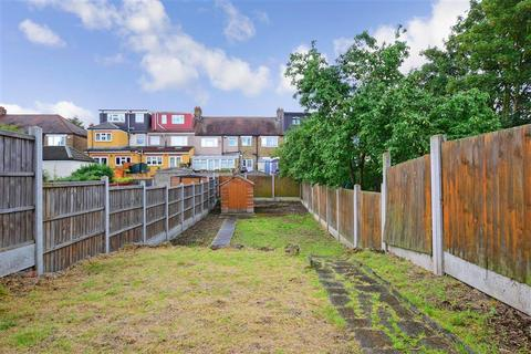 3 bedroom terraced house for sale - Cantley Gardens, Ilford, Essex