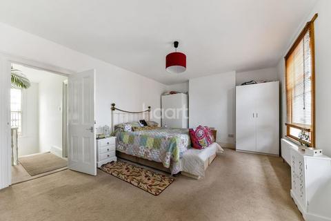 3 bedroom maisonette for sale - Morrish Road, London