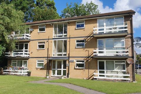 2 bedroom apartment to rent - Badger Court Worcester Park