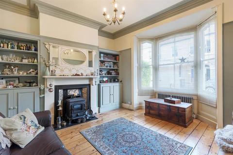 4 bedroom terraced house for sale - Sandringham Street, York, YO10 4BA