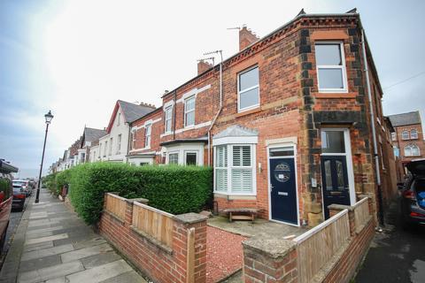 2 bedroom apartment for sale - Emerald Street, Saltburn TS12