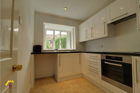 3 bedroom semi-detached house to rent - All Hallows Road, , Walkington, HU17 8SJ