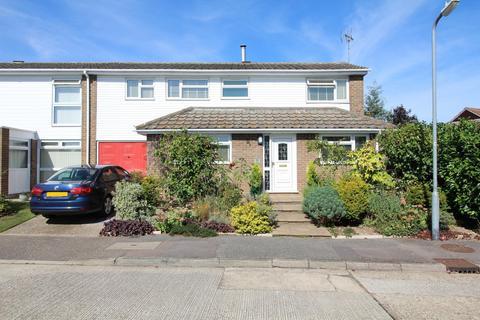 4 bedroom semi-detached house for sale - Vellacotts, Chelmsford, CM1