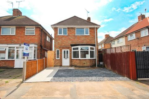 3 bedroom detached house for sale - Averil Road, Leicester, LE5
