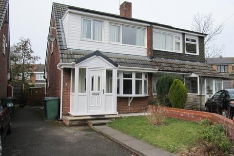 3 bedroom semi-detached house to rent - Kings Avenue, Whitefield, Manchester, Greater Manchester, M45