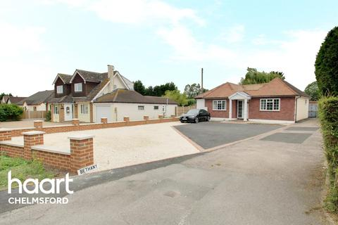 3 bedroom bungalow for sale - Southend Road, Chelmsford