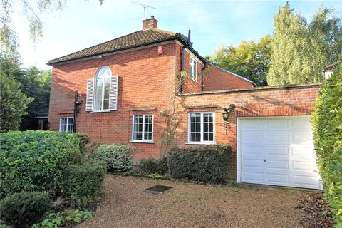 4 bedroom detached house to rent - Woodlands Close, Ascot, Berkshire, SL5