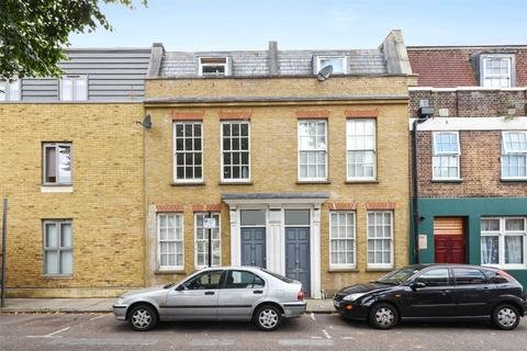 3 bedroom terraced house to rent - Whitehorse Road, London, E1