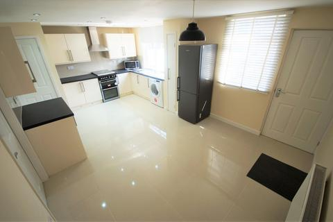 3 bedroom end of terrace house to rent - Agincourt Road, Coventry,CV3 5PT