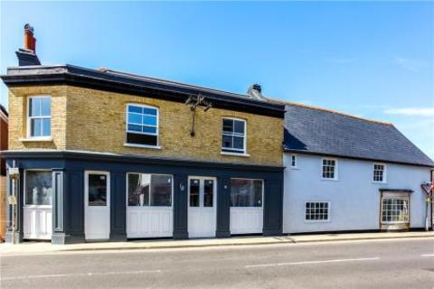 2 bedroom flat for sale - Cheam Road, Ewell